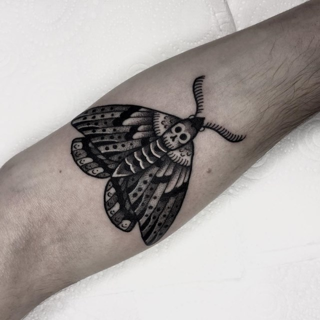 black and grey moth tattoo 02