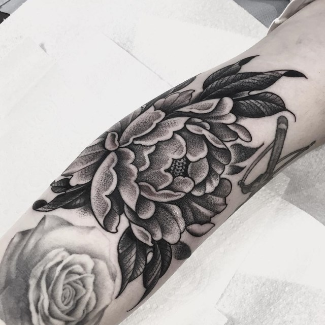 black and grey peonie tattoo 3