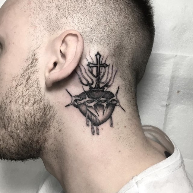 black and grey sacred heart tattoo 1