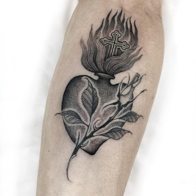 black and grey sacred heart tattoo 6