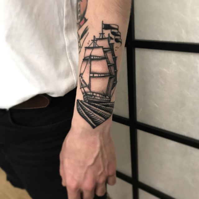 black and grey ship tattoo 01