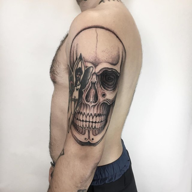 black and grey skull tattoo 03