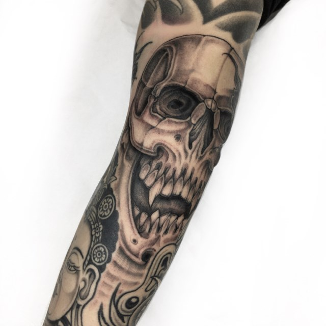 black and grey skull tattoo 10