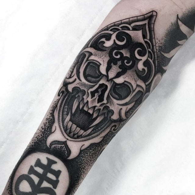 black and grey skull tattoo 32