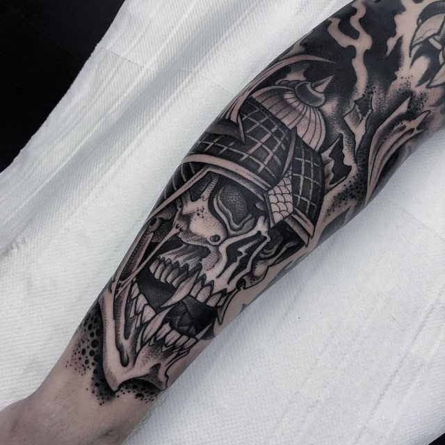 black and grey skull tattoo 33