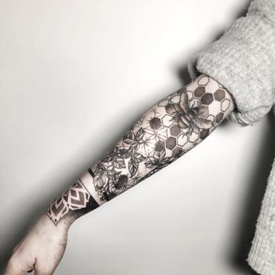 Geometric Tattoo Bee Sleeve