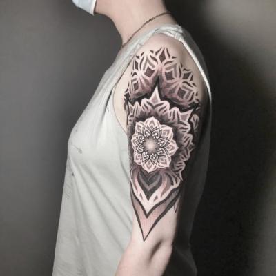 Geometric Tattoo Madala 2