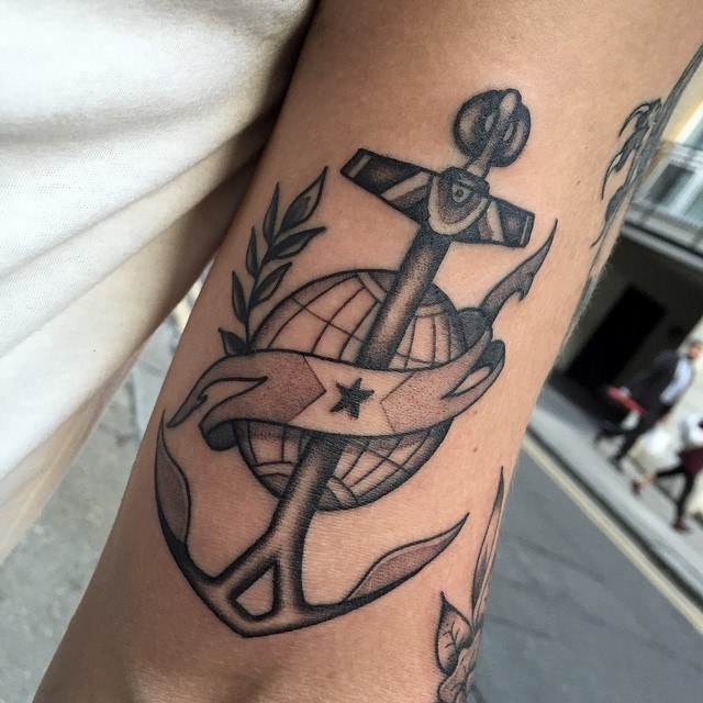 traditional anchors tattoo 18