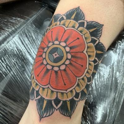 Traditional Flower Knee Tattoo