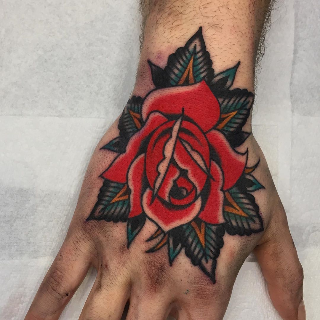 Traditional Cloak And Dagger Tattoo Parlour London