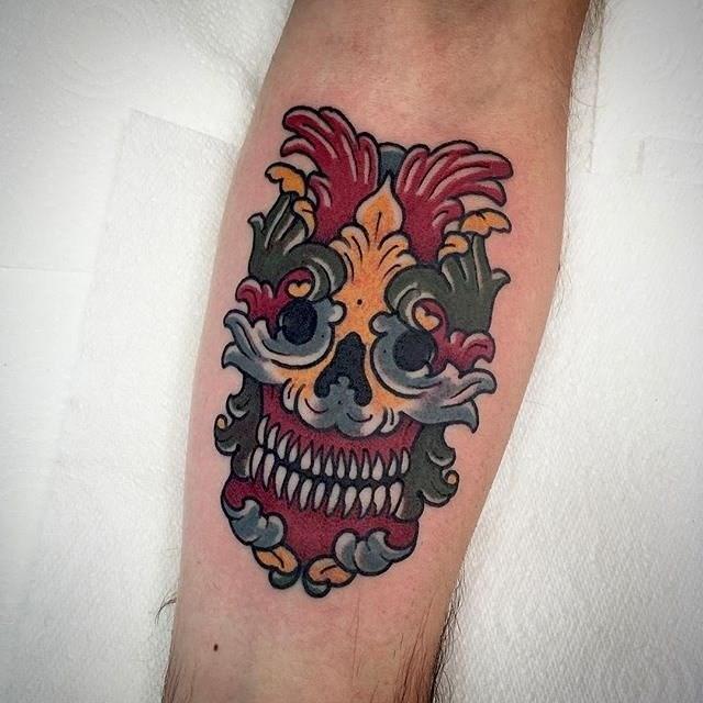 traditional skull tattoo 16
