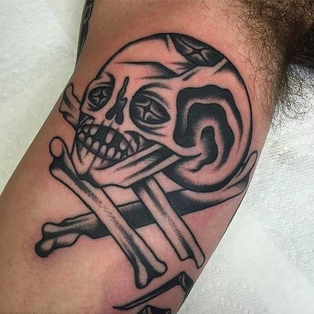 traditional skull tattoo 21