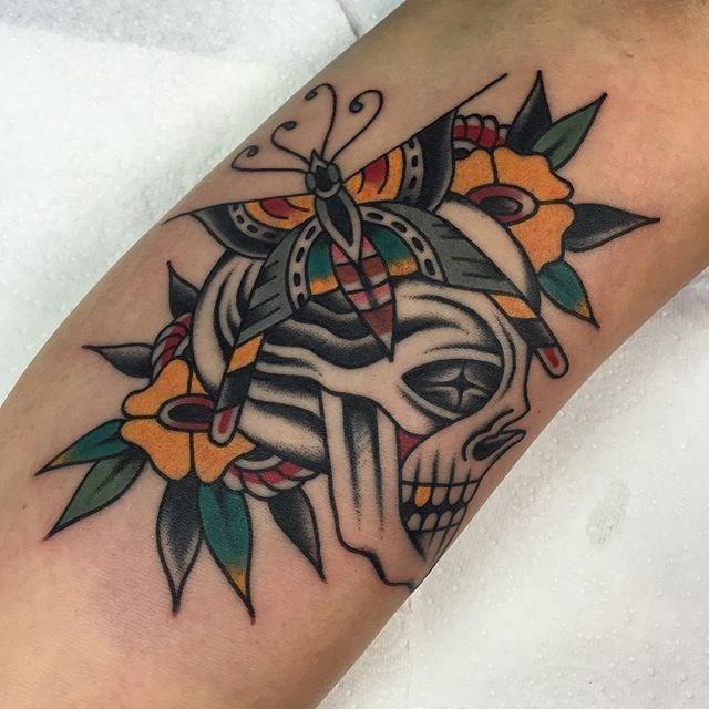traditional skull tattoo 24