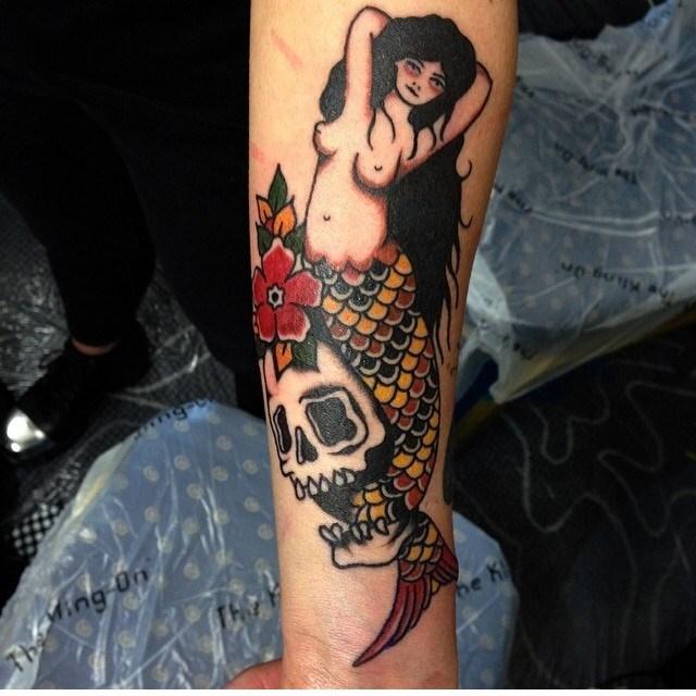 traditional skull tattoo 53
