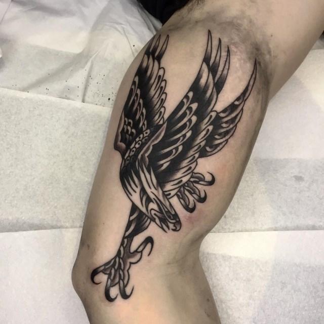 traditional-style-eagle-tattoo-19