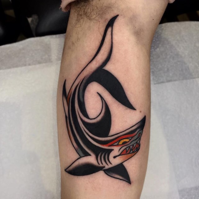 traditional-style-shark-tattoo-2