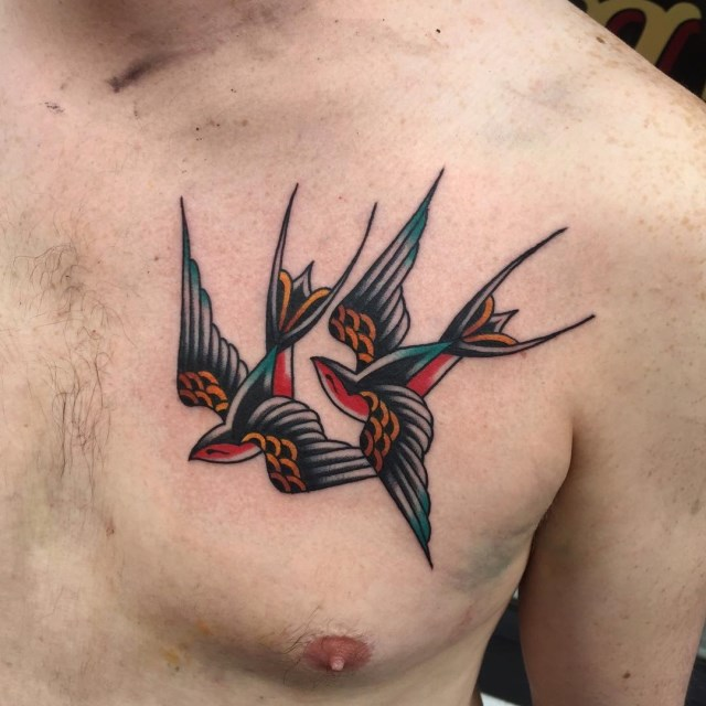 traditional-style-swallow-tattoo-2