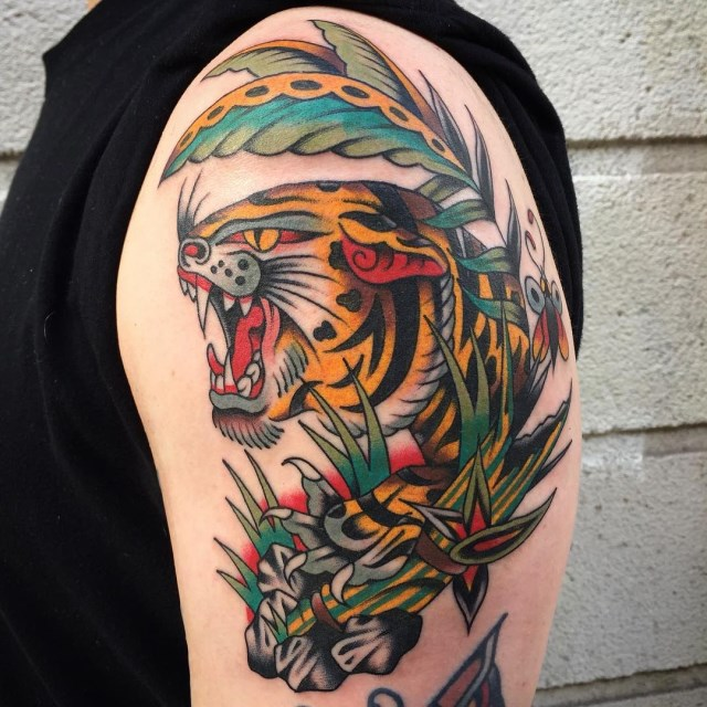 traditional-style-tiger-tattoo-04