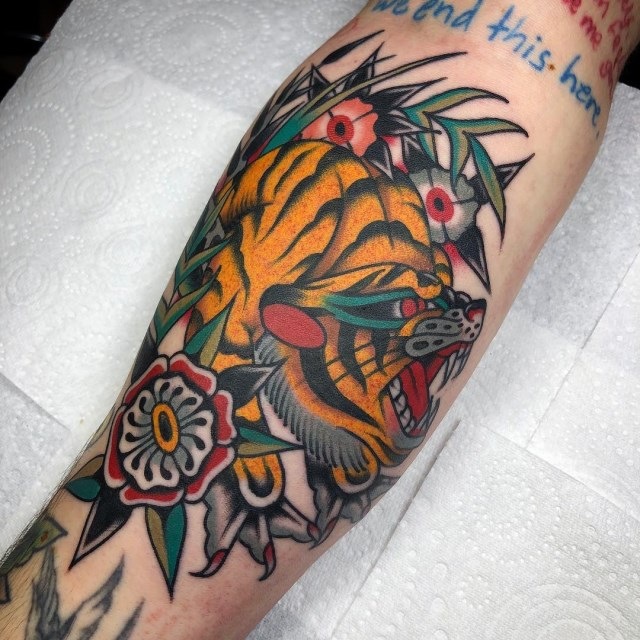 traditional-style-tiger-tattoo-12