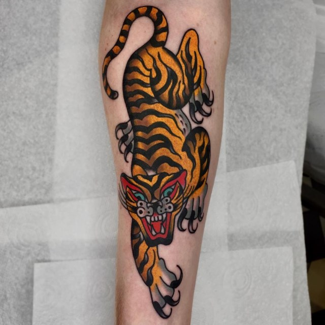 traditional-style-tiger-tattoo-13