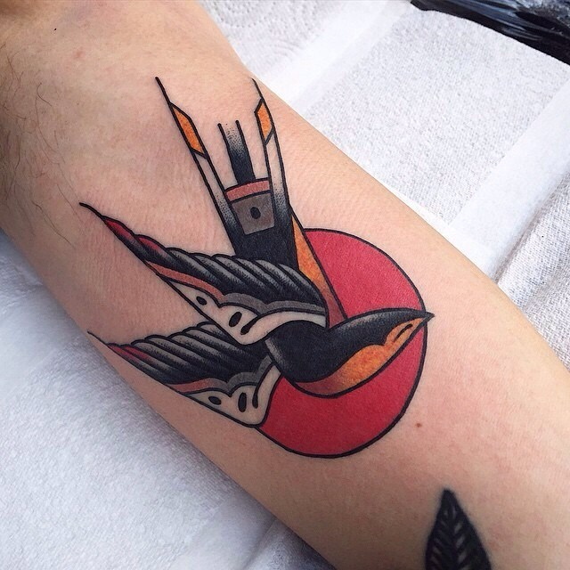 traditional swallow tattoo 01