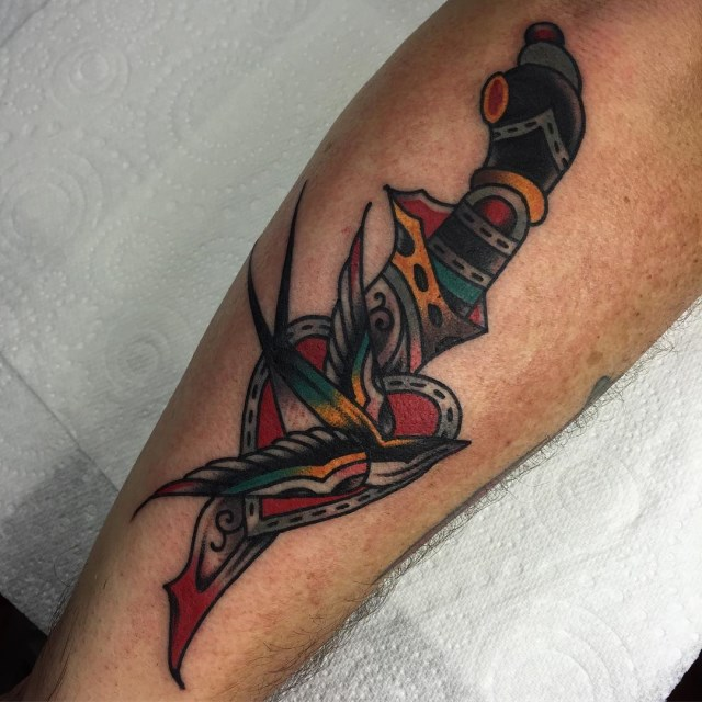 traditional swallow tattoo 26